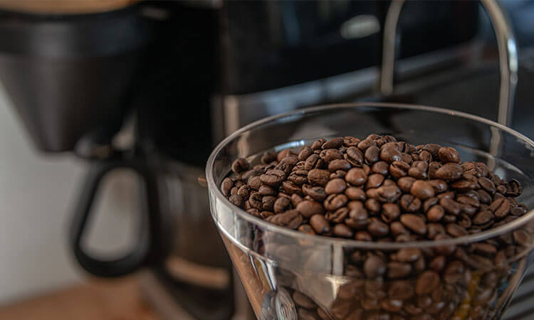 The 5 Best Coffee Makers With Built-in Grinder