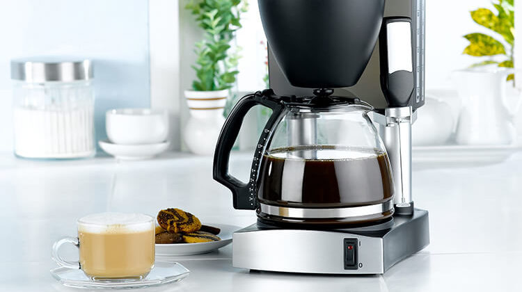 The Best Coffee Makers That Keep Coffee Hot