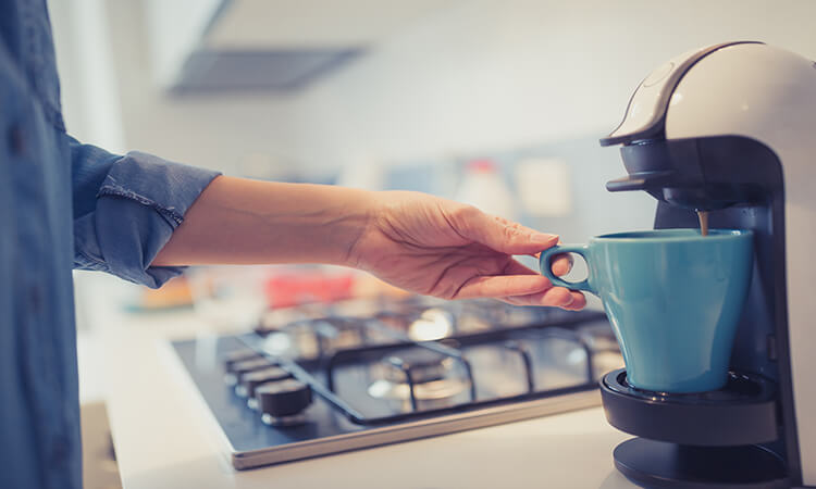 What Are The Pros of Coffee Makers For College
