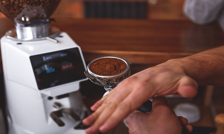 What To Look For In Getting The Best Affordable Coffee Grinder